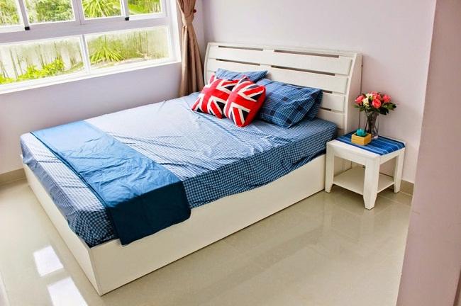 Căn hộ 8X Plus - Phòng ngủ chính với cửa sổ tạo View thoáng mát