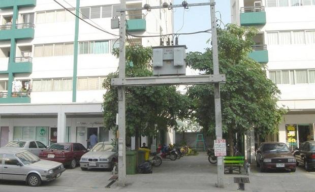 Nhà ở gần cột điện cao thế