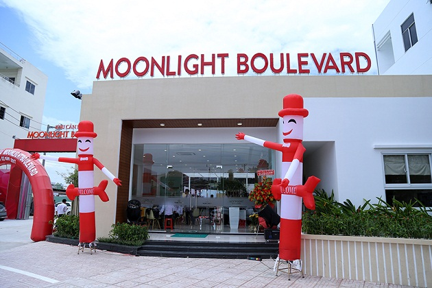 Moonlight Boulevard khai trương